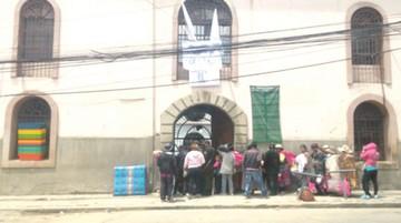 En Bolivia un policía vigila a 23 reclusos