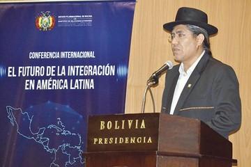 Pary: Saludo de Maduro a Evo no merece debate