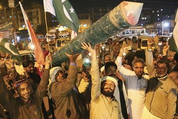 India y Pakistán tensan difícil relación bilateral