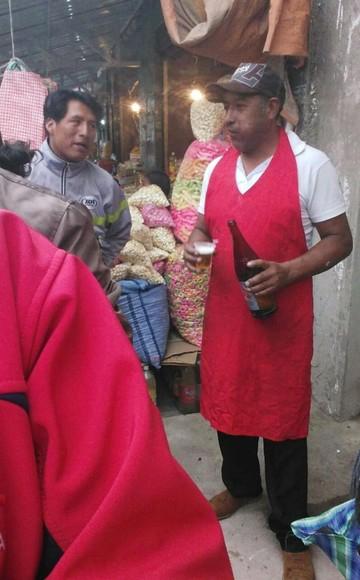 En Bolivia se celebra desde temprano el tradicional Martes de Ch'alla