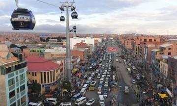 Autoridades saludan a El Alto por su 34 aniversario
