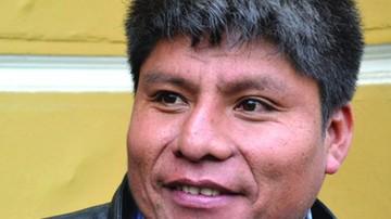 Dirigente cocalero ofrece cholitas a autoridades