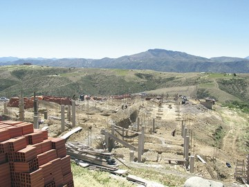 Construyen casas en Sancho destinadas a familias fabriles