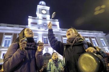 Día de la Mujer se vive con protestas y huelga