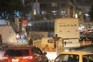 Vecinos piden abrir pasaje para atenuar la congestión