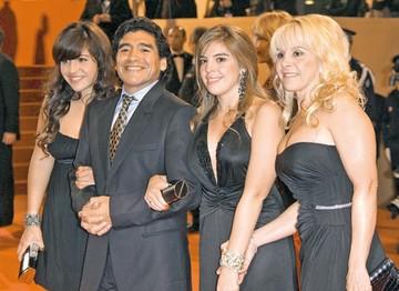 Maradona, con hijos en Cuba