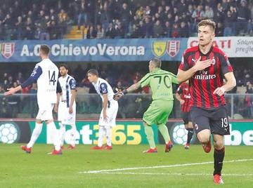 Milan afianza su tecer lugar al vencer a Verona