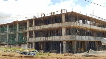 Construcción de hospital presenta avance en el D-3