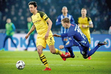 Dortmund logra triunfo agónico y recupera liderato