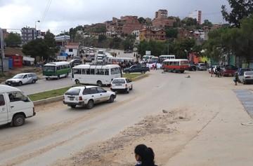 Vecinos del barrio Los Tarcos levantan bloqueo que duró casi cuatro horas