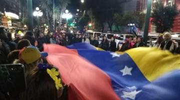 Mesa condena que Gobierno expulsara a venezolanos