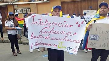 """Gobierno expulsa  a 14 venezolanos  por """"conspiración"""""""
