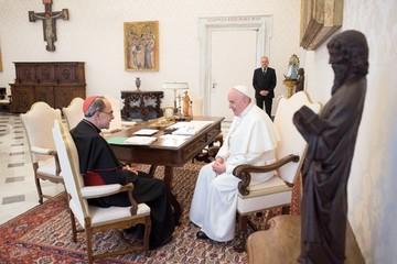 Papa rechaza renuncia de cardenal encubridor