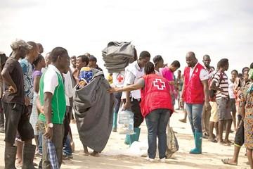 Buscan a desaparecidos por ciclón en el África