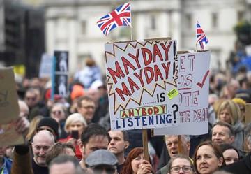 Masivas manifestaciones piden segunda consulta