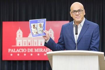 "Maduro acusa a Guaidó de ""planificar"" asesinatos"