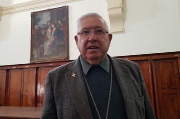 Arzobispo respalda a médico que se negó a practicar aborto legal