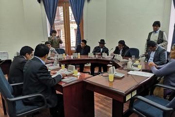 Comisión de Diputados aprueba ley que reduce tiempo para preparar elecciones