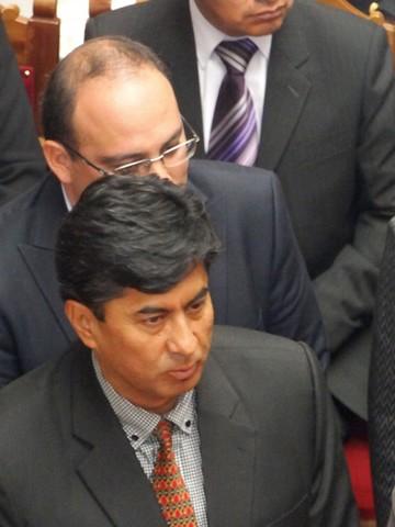 Legislativo citará a Ceballos para informe