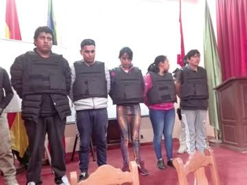 Pildoritas y cómplices embaucan a un policía