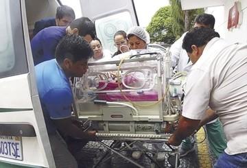 Muere bebé con corazón expuesto en Santa Cruz