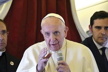 El Papa sugiere consultar sobre la homosexualidad