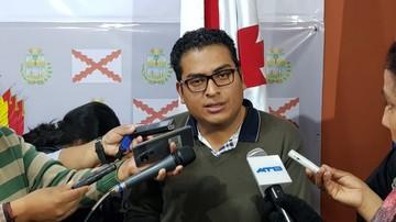 Diputado Callejas critica a Mesa por utilizar poncho
