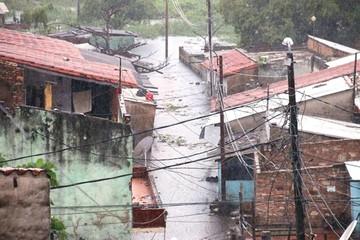 Las lluvias causan el desborde del río Paraguay