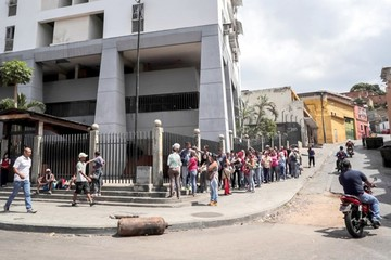 Guaidó toma recaudos ante anuncio de juicio