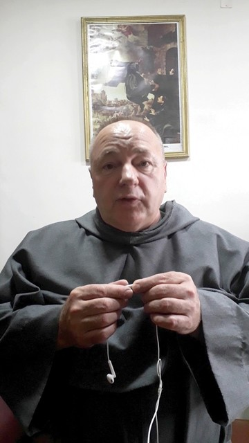 Padre Dubanik se despide de la Capital