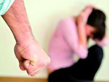 Encuesta: 52 de 100 mujeres sufren violencia de novias
