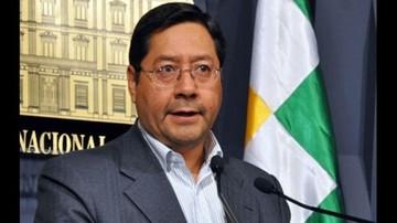 Ministro de Economía dice que Bs 100 es suficiente para cubrir la canasta familiar