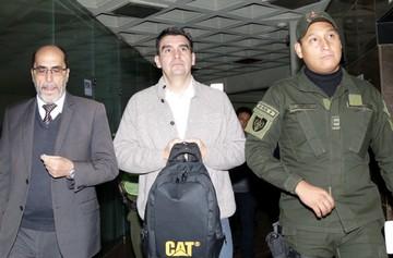 Leyes seguirá encarcelado en San Antonio