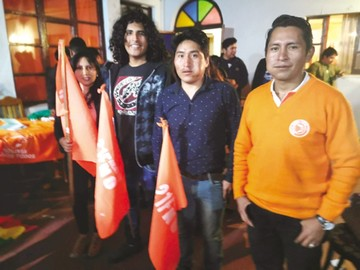 BST conformó ayer su comité de juventudes