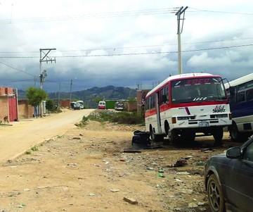 Pavimento y alumbrado,  pedidos del barrio Cessa