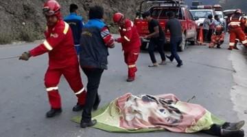 Embarrancamiento deja tres fallecidos en la ruta La Paz-Caranavi