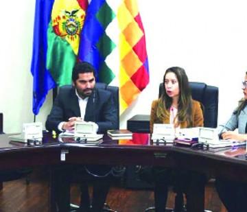 Gobierno descarta resarcir a ex legisladores masistas