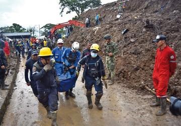 Colombia: 15 fallecidos por derrumbes