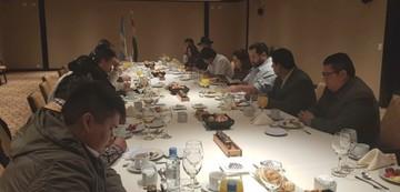 Morales abre su agenda oficial en Buenos Aires con reunión diplomática