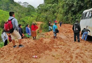 ABC cierra tramo en Beni y restringe circulación en Chuquisaca y La Paz