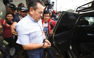 Arrestan a ex jefe de Felcc por vínculos con un narco