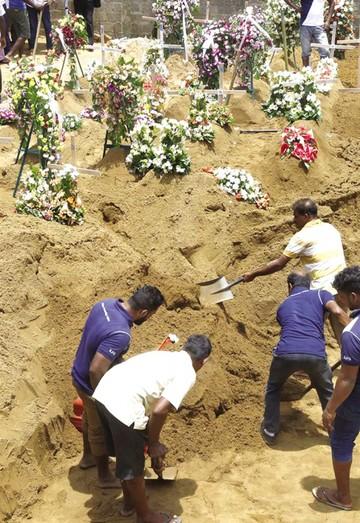 Sri Lanka despide a víctimas de ataques yihadistas