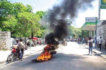 Haitianos vuelven a pedir justicia por malversación