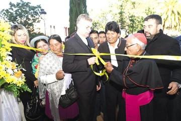 Cardenal expresa su apoyo a Evo de cara a las elecciones generales