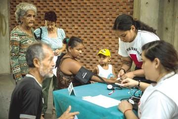 Cruz Roja distribuye ayuda humanitaria en Venezuela