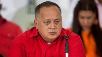 """Ministro de Defensa de Venezuela reporta """"normalidad"""" en cuarteles y rechaza golpe"""