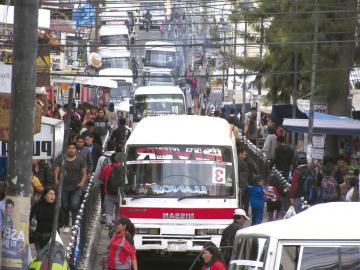 Contaminación se reúne en 3 zonas de alto tráfico