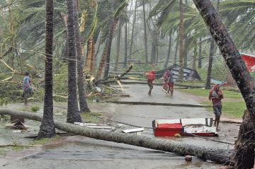 Ciclón Fani afecta a India e ingresa a Bangladesh