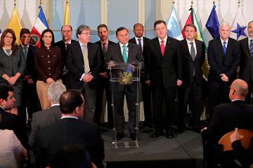 Llaman a Rusia y Cuba para resolver crisis venezolana