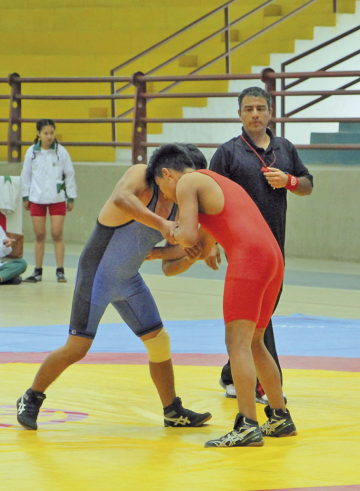 Lucha mide fuerzas en Sucre